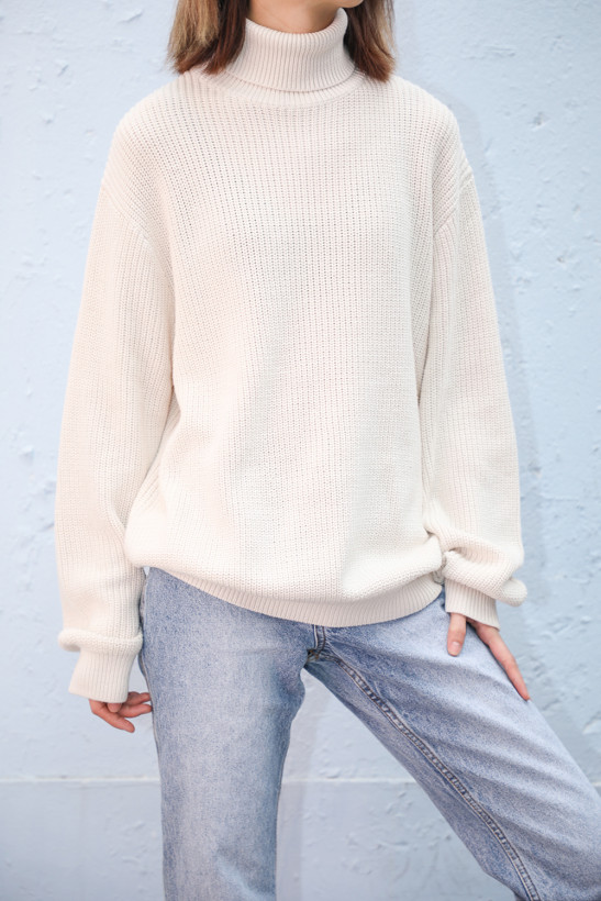 Agnes Turtleneck Sweater by Brandy Melville